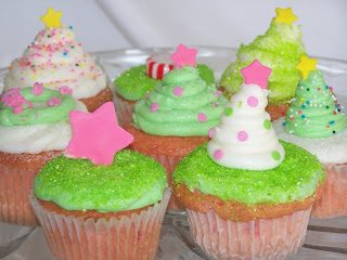 Adventures in Baking :: {Pastel & Peppermint} Christmas Cupcakes